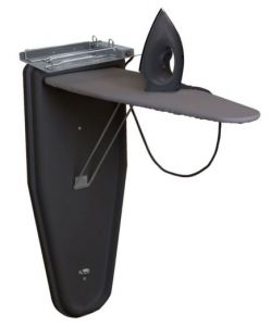 Compacte strijkstation met droogstrijkijzer